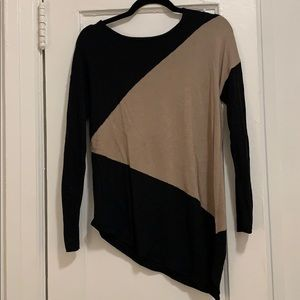 Asymmetrical hem color block sweater